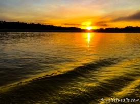 Sonnenuntergang im Manu Nationalpark
